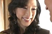 五十路美熟女の初撮り!デカ乳輪のムチムチボディは敏感体質で連続アクメ!服部圭子