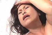 還暦熟女が激ピストンされトランス入りして顔射されても放心状態!日野麻理子.1jpg