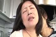 五十路熟女の母親が変態息子を受け入れ近親相姦中出しエッチでアヘ顔絶叫!波木薫