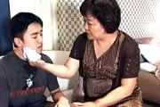 高齢熟女母と息子の本当にあった逃避行物語。若いマラでガン突きされアヘ顔大絶叫アクメ!福田奈々子
