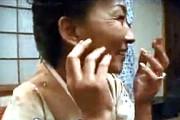 還暦熟女の女将さんが客間で3Pエッチ!細身で黒乳首がエロい!高島寿子