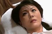 風邪をひいた美熟女母が絶倫息子にガン突きされヨガリ鳴き!円城ひとみ