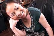 還暦熟女の母親が息子にガン突きされ巨乳の垂れ乳を揺らしまくり絶叫アヘ顔で中出し近親相姦!