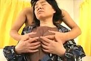 ポッチ乳首の還暦熟女の祖母が45歳年下の孫と近親相姦エッチで鳴きまくり!
