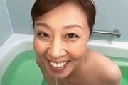 エロ顔の熟女母は主観で息子を見つめてフェラ抜き!柳田和美