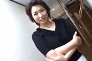 上品な美熟女が両手足を拘束され激ピストンで絶叫痙攣オーガズム!里中亜矢子