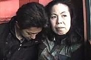 タレ爆乳の還暦熟女母が息子に突かれ汗だくでアヘ顔オーガズム!湯沢多喜子