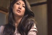 発情した義母が娘婿を思いながらデカ尻晒して手マンオナニー!藤沢芳恵