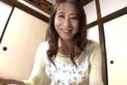 スケベ顔の熟女母は夫と息子に交互に突かれ鳴きまくり!高垣美和子