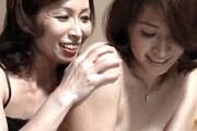 スケベ顔の熟女姉が妹親子丼!クンニ責めに手コキ抜き!矢部寿恵•松下美香