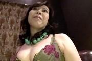 デカ乳輪でデカ乳首のエロ顔熟女マダムのハメ撮り!香澄千華