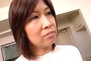 普通の地味な団地妻もセフレに突かれてアヘ顔絶叫!岡江佳子