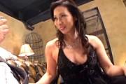 高級クラブのママはお客に股がりアヘアヘしちゃうスケベ熟女!松下美香02