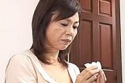 黒乳首の還暦熟女母が念願の息子巨根を挿入され無言アヘ顔アクメ!時越芙美江