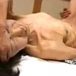 ガリガリ七十路熟女が激ピストンされアヘ顔絶叫!