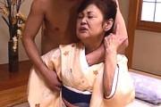還暦越えの七十路熟女が白いマン汁を泡立ててアヘ顔絶叫!香川夕湖