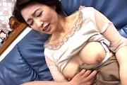 五十路のタレ乳母が息子に責められ理性を失いアヘアヘ快楽堕ち!里中亜矢子