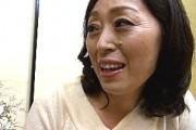 エロケバい還暦熟女が温泉旅館でポッチ乳首晒してやりまくり!