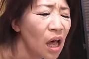 還暦熟女の未亡人が3P陵辱されアヘ顔絶叫しながら中出し2連発