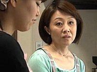 垂れ乳義母は娘婿のデカマラで夜這いされ虜になって大絶叫で連続逝きまくり!柳田和美