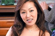 茶髪のエロケバい五十路熟女が黒乳首の垂れ乳揺らし中出し近親相姦0