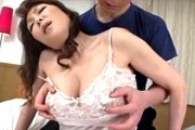 垂れ乳のエロケバい五十路熟女が息子に慰められてアヘ顔絶叫イキ