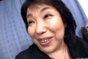 関西弁の肉食おばさんが息子友人をフェラ抜き童貞筆下ろし!絹田美津