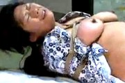 亀甲縛りでスパンキングされアヘ顔絶叫する変態還暦熟女!若瀬まどか