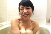 デカ乳輪の爆乳熟女が激ピストンされアヘ顔大絶叫で連続イキ!柳留美子