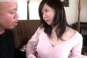 スケベ顔の教育ママが息子の家庭教師に突かれ顔を真っ赤にして痙攣アクメ!澤村美香