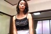垂れ乳熟女の専業主婦が自宅で中出し陵辱に喘ぐ!青井マリ