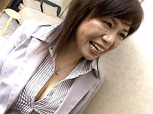 「おばさんと付き合っちゃう?」娘の彼氏を次々と寝取る超垂れ巨乳の五十路エロ熟女!時越芙美江
