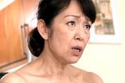 ピンク乳首の還暦熟女が主観で上目遣いをしながらフェラ抜き!笠井三津江