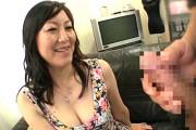 7年ぶりのセックスに大興奮するピンク乳首の年増が潮吹き大絶叫!押尾伸子