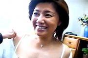 美人の団地妻は黒乳首でモリマンの欲求不満熟女!西尾真理