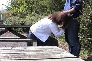 [素人撮影]野外調教でセフレにフェラさせられナマ挿入される五十路の浮気妻