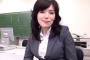 大学受験の合格した生徒にご褒美!内田桃子2