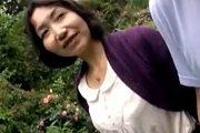 夫の単身赴任中に浮気旅行に出かけウットリ顔になる人妻!紺野純子