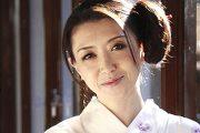 神楽坂で小料理屋を営む五十路女将が3年ぶりのエッチ!賀来恵美子