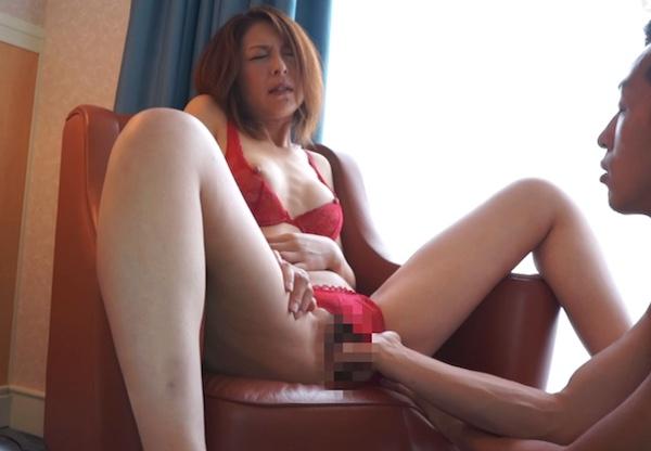 9年ぶりのセックスに恥じらいながら連続イキするピンク乳首の美熟女!羽鳥澄香