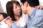 若いチンポの虜になりセックス中毒に堕ちた地味な五十路熟女!岡村由希