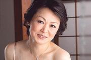 上品な五十路熟女が息子を夜這いしてエロ可愛い声で鳴きまくる!高田典子