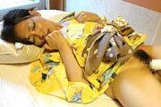 浴衣姿で上品な五十路熟女がデカ乳輪の垂れ乳を揺らして浮気ハメ撮り!新庄小百合