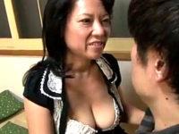 エロケバい五十路熟女がタレ乳を揺らし真っ赤な顔して大絶叫!江島えみこ