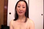 ベージュ下着がよく似合う幸薄い地味顔の五十路熟女が甲高い声で巨根に絶叫!池田喜代子