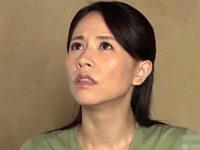 実息子に凌辱されフニャチン夫とは比べものにならない若く逞しい肉棒に堕ちる母親!井上綾子