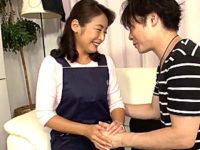 日焼けした上品な五十路熟女が家事代行で中出しオプションサービス!青井マリ・黛日出子