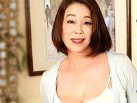 超垂れ乳の五十路熟女が娘の出産入院中に娘の旦那と禁断の一線を越え中出しセックス!青井マリ