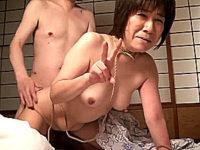 温泉旅行中の還暦熟女2人を縛り上げて中出し凌辱!大塚京子・中村京子
