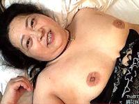 ポッチャリ垂れ乳の豊満熟女がナンパ中出しHでエンドレスオーガズム!長尾さくら